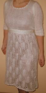 Balta moherinė suknelė